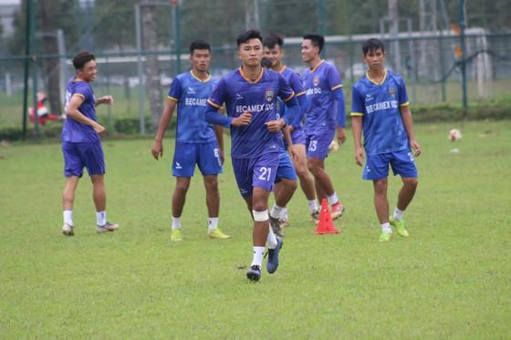 Nhiều cầu thủ trẻ U19 của B.BD được tung ra thử sức trong trận gặp BR-VT