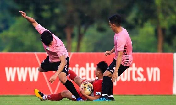 CLB Hà Nội thắng Viettel trong ngày Văn Hậu đá chính  ảnh 1