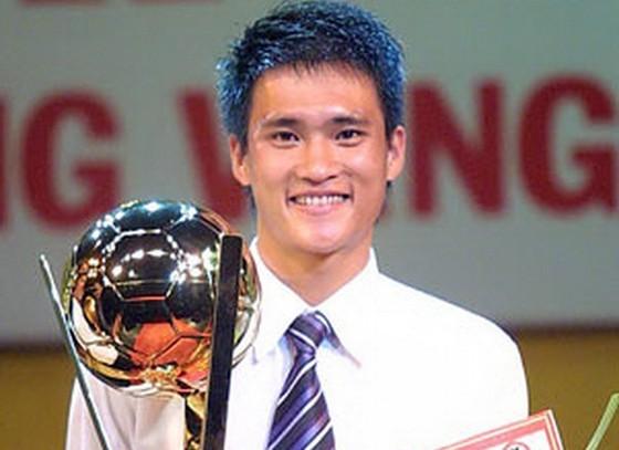 Công Vinh, cầu thủ từng 3 lần giành danh hiệu Quả bóng vàng Việt Nam