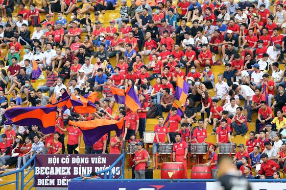 Sẽ có 5.100 khán giả được lên các khán đài sân Bình Dương khi LS V-League 2020 được nối lại