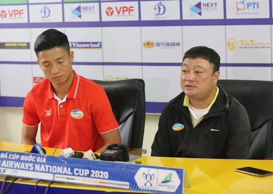 HLV Trương Việt Hoàng: Quang Hải là mối lo của Viettel ảnh 1