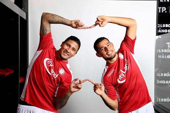 Hai ngoại binh đến từ Costa Rica đã gây thất vọng ở trận ra mắt. Ảnh: HCMC FC