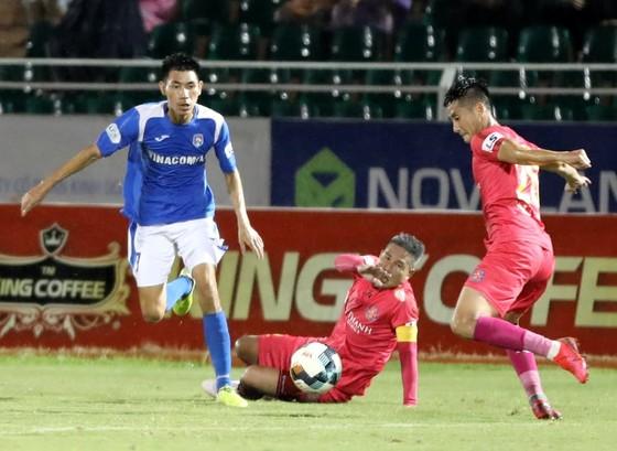 CLB Sài Gòn may mắn giành ngôi vô địch giai đoạn 1. Ảnh: NGUYỄN HOÀNG