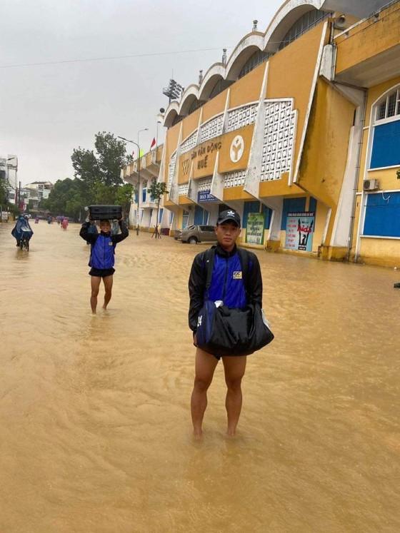 Mưa lớn, ngập lụt có thể biến thuận lợi của đội Huế... thành bất lợi ảnh 2