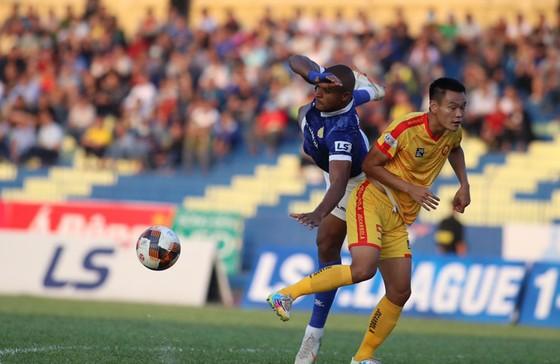 Nam Định – Đà Nẵng (18 giờ, ngày 15-10): Chủ nhà không được phép sẩy chân ảnh 2