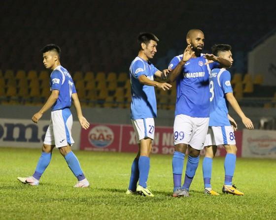 Claudecir ghi bàn nhưng Than Quảng Ninh không thể bảo toàn chiến thắng