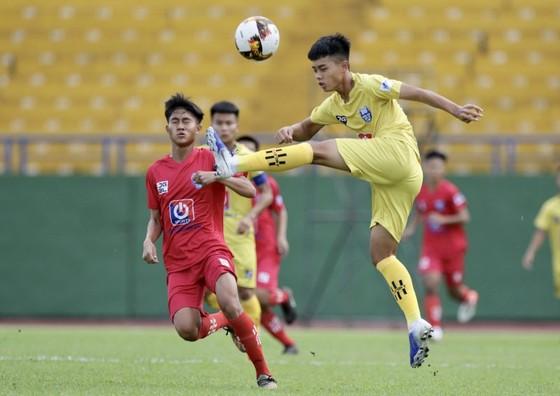 Bóng đá trẻ Nghệ An vẫn 'sống tốt' trong thời cạnh tranh thị trường ảnh 1