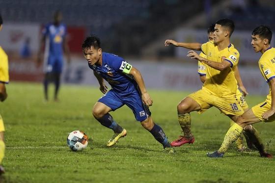 Giành 3 điểm trước Nam Định, Quảng Nam nuôi hy vọng trụ hạng ảnh 1