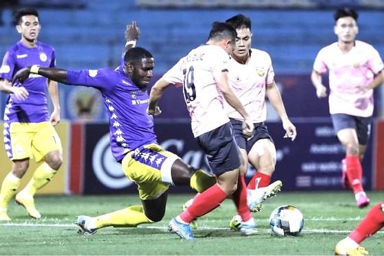 CLB Hà Nội lấy vị trí thứ 2 từ tay đội Sài Gòn  ảnh 1
