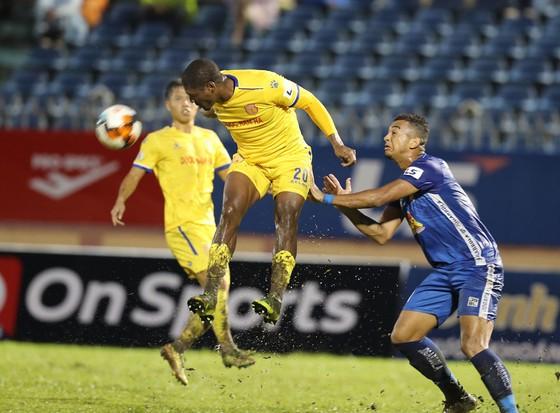 Trọng tài FIFA điều hành trận 'chung kết' của CLB Nam Định  ảnh 1