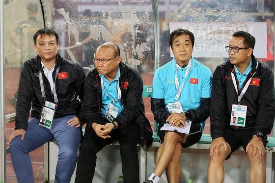 Thầy Park có trợ lý phụ trách thủ môn đồng hương ảnh 1