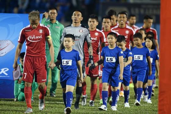 Sân Thống Nhất 'đắt show' cho ngày hạ màn LS V-League 2020  ảnh 1