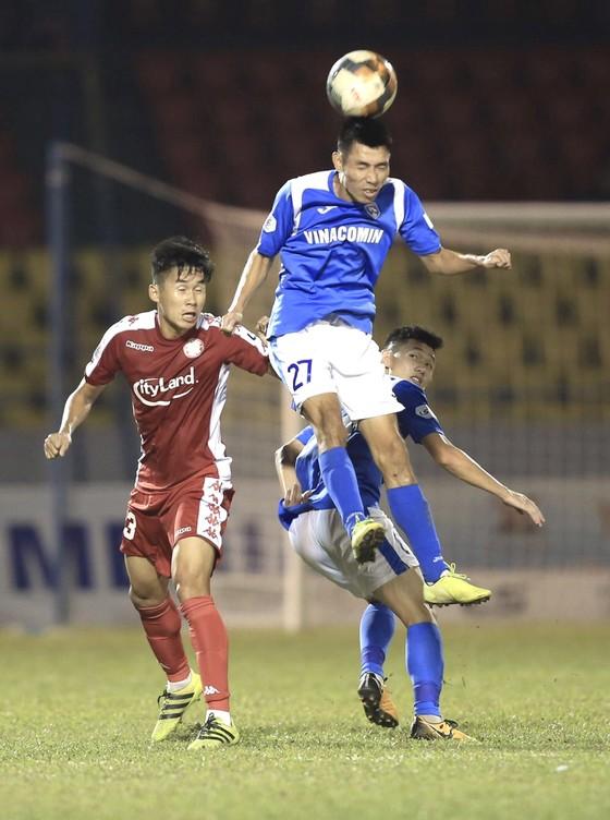 Đua vô địch LS V-League: Than Quảng Ninh giương cờ trắng ảnh 2