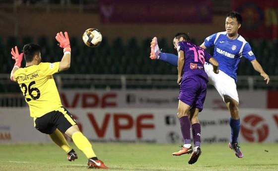 Đua vô địch LS V-League: Than Quảng Ninh giương cờ trắng ảnh 1