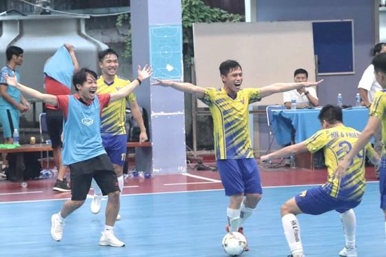 Thầy trò Trọng Luân vô địch giải Futsal phong trào TPHCM  ảnh 2