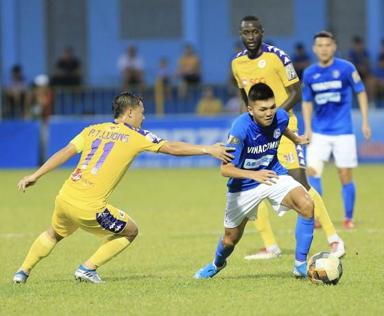 Than Quảng Ninh mở cửa sân Cẩm Phả ở trận đấu với Hà Nội ảnh 1
