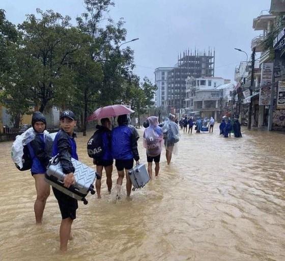 Bóng đá Việt vượt nghịch cảnh để hoàn thành tiến độ năm 2020 ảnh 1