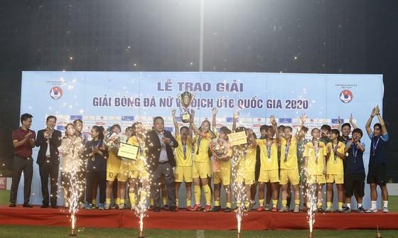 Đội dự tuyển Việt Nam vô địch giải bóng đá nữ U16 Quốc gia 2020 ảnh 2