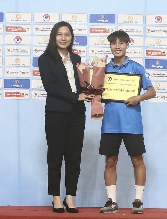 Đội dự tuyển Việt Nam vô địch giải bóng đá nữ U16 Quốc gia 2020 ảnh 1