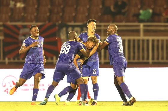 CLB TPHCM chỉ giành được 1 điểm trong ngày chia tay V-League 2020 ảnh 1