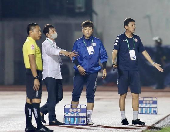 CLB TPHCM sa thải đồng hương HLV Park Hang-seo ảnh 1