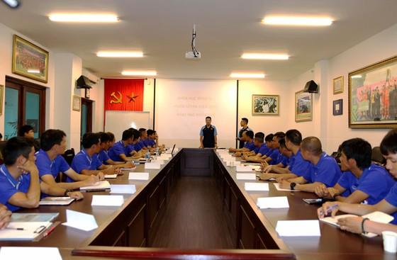 Khai mạc khóa đào tạo HLV chứng chỉ B AFC 2020  ảnh 1