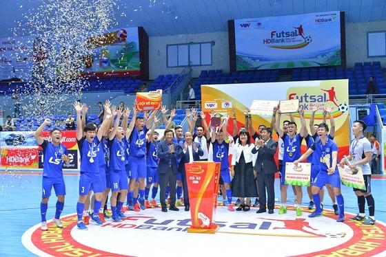 Thái Sơn Nam hoàn tất cú đúp trong mùa bóng 2020 ảnh 1