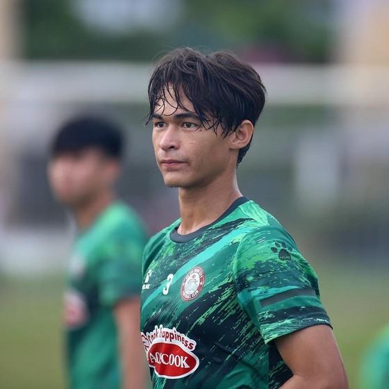 CLB TPHCM hoàn tất 3 ngoại binh cho mùa bóng mới ảnh 2