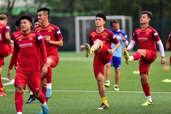 Khán giả TPHCM có thể lỡ dịp xem các tuyển thủ Việt Nam so tài ảnh 1