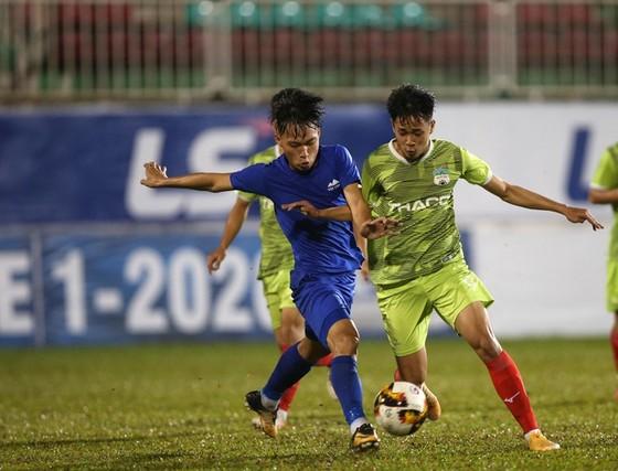 Các giải bóng đá  U17 và U21 thi đấu trên sân không có khán giả ảnh 1