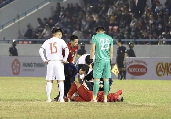 Hồ Tuấn Tài gặp chấn thương nặng trong ngày trở lại đội tuyển Quốc gia ảnh 1