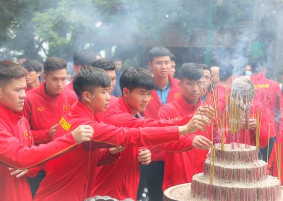 ĐTQG và U22 Việt Nam dâng hương tưởng nhớ các vua Hùng ảnh 2