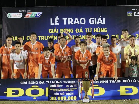 Vượt qua nhiều đối thủ mạnh, Bình Định giành Cúp vô địch đầu mùa. Ảnh: DŨNG PHƯƠNG