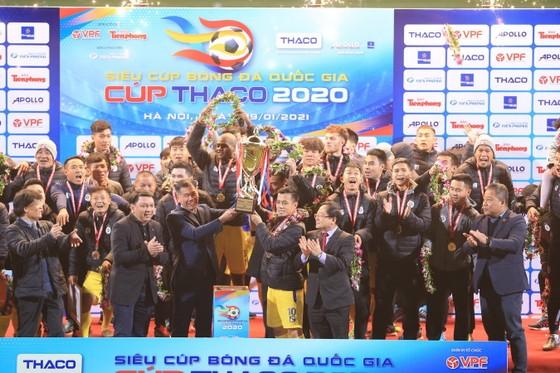 CLB Hà Nội lần thứ 4 giành Siêu cúp. Ảnh: MINH HOÀNG
