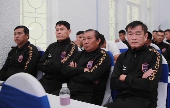 HLV Phan Thanh Hùng: LS V-League 2021 không có đội nào yếu ảnh 2