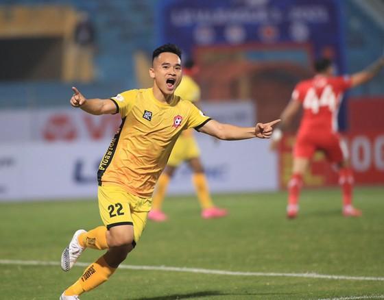 Niềm vui của Phú Nguyên sau bàn mở tỷ số