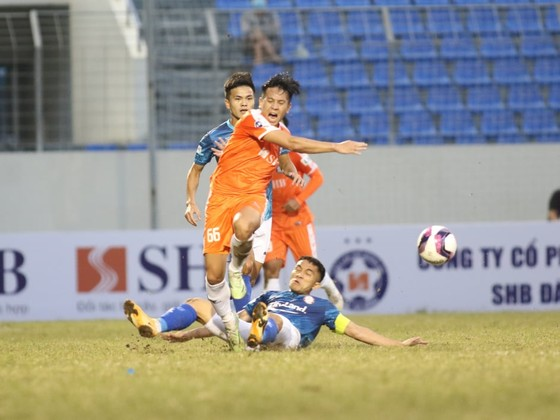 Hà Đức Chinh giúp CLB Đà Nẵng khởi đầu suôn sẻ  ảnh 2
