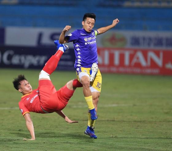 HLV Phan Thanh Hùng đặt quyết tâm lấy điểm trên sân Hàng Đẫy trước 2 nhà vô địch ảnh 1