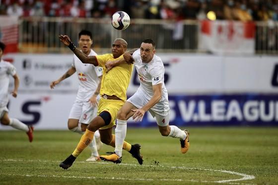 Văn Toàn giúp HA.GL có chiến thắng đầu tiên tại LS V-League 2021  ảnh 2