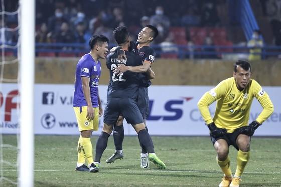 LS V-League 2021: Becamex Bình Dương đưa Hà Nội xuống vị trí 'đội sổ'  ảnh 1