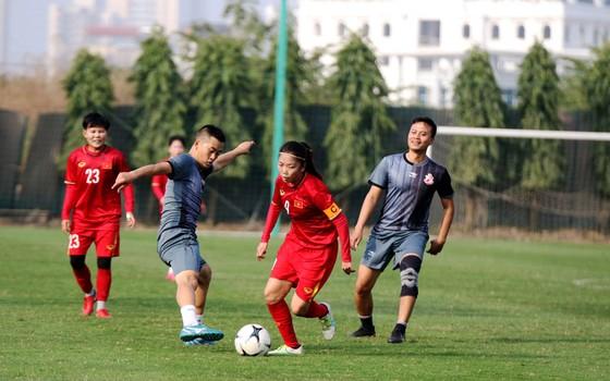 ĐT nữ Việt Nam thua đội cựu tuyển thủ 4-5 ảnh 1