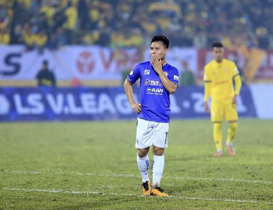 Quang Hải cùng các đồng đội chưa có điểm nào sau 2 trận