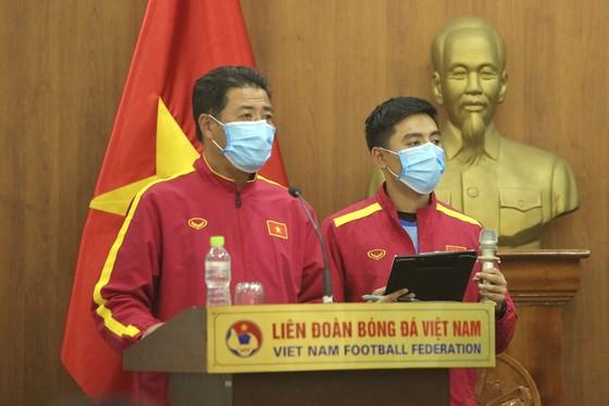 Bế mạc khóa đào tạo HLV chứng chỉ B AFC 2021  ảnh 1