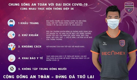 Cầu thủ Việt Nam hối hả về quê 'ăn' Tết ảnh 1