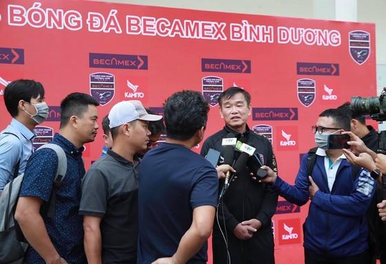 HLV Phan Thanh Hùng đặt nhiều niềm tin vào trợ lý Roland