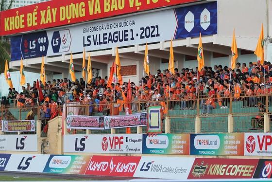 Sân Quy Nhơn tính phương án mở cửa tự do trận gặp Đà Nẵng ảnh 1