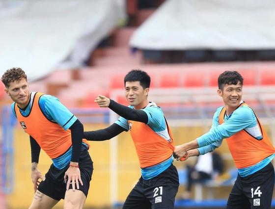 Đề xuất tiêm vắc xin Covid-19 cho các CLB Việt Nam dự AFC Cup 2021 ảnh 1