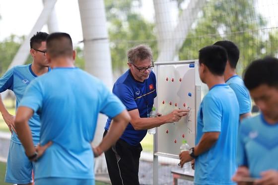 34 cầu thủ được gọi tập trung đội tuyển U18 Việt Nam ảnh 1