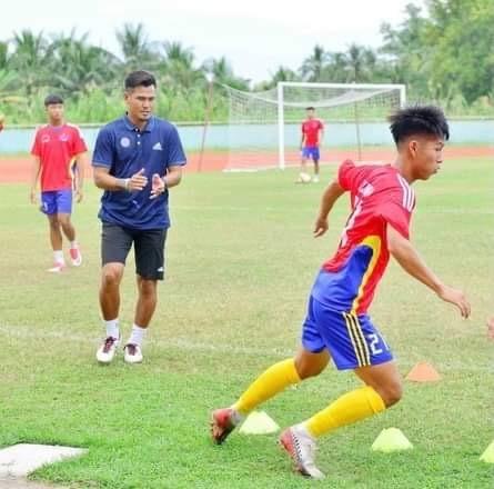 Phan Thanh Bình với trọng trách làm sống lại bóng đá trẻ Đồng Tháp ảnh 1