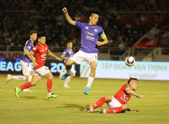 Hà Nội FC thắng đậm TPHCM để dành tặng Hùng Dũng  ảnh 1